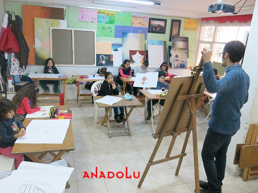 Çocuklarla Ebru Eğitimleri Devam Etmekte Adana